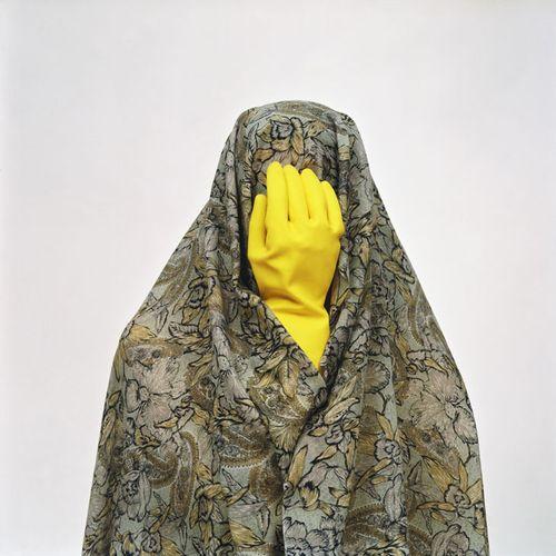 20091127122934_shadi_ghadirian_like_everyday_yellow_glove